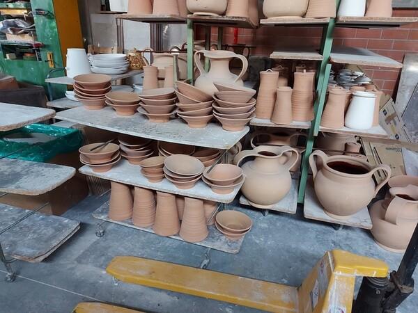 1#6283 Prodotti finiti in ceramica e scaffalature in vendita - foto 71