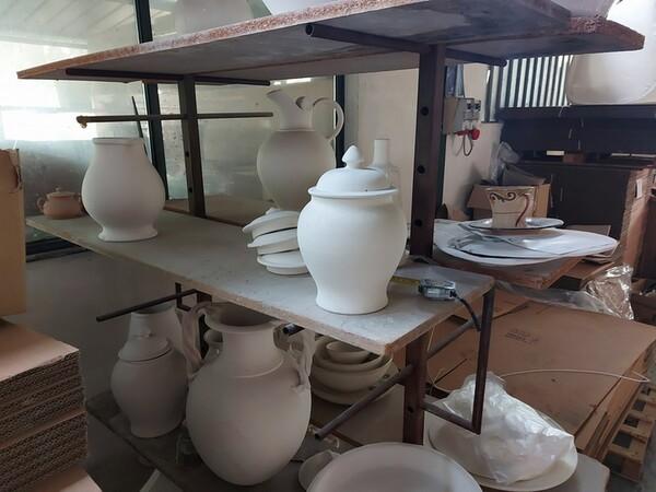 1#6283 Prodotti finiti in ceramica e scaffalature in vendita - foto 72