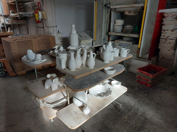 1#6283 Prodotti finiti in ceramica e scaffalature in vendita - foto 73