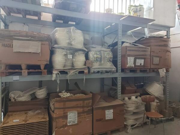 1#6283 Prodotti finiti in ceramica e scaffalature in vendita - foto 75