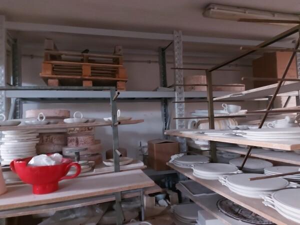 1#6283 Prodotti finiti in ceramica e scaffalature in vendita - foto 76