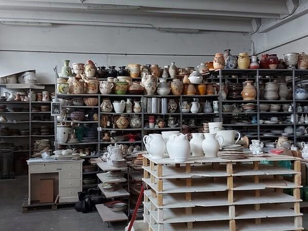 1#6283 Prodotti finiti in ceramica e scaffalature in vendita - foto 77
