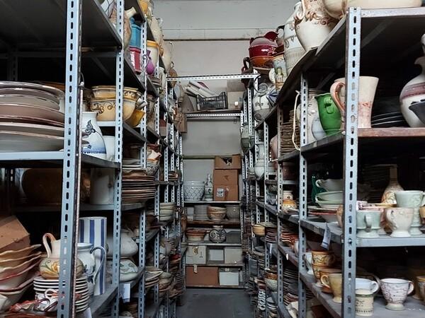 1#6283 Prodotti finiti in ceramica e scaffalature in vendita - foto 79