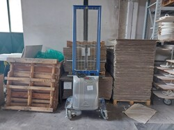Office furniture and ceramic processing machines - Lot 4 (Auction 6283)