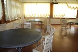 Arredamento e attrezzatura per ristorazione
