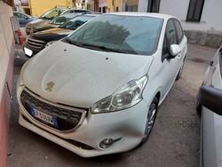 Autovettura Peugeot 208