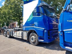 Volvo truck - Lot 16 (Auction 6327)