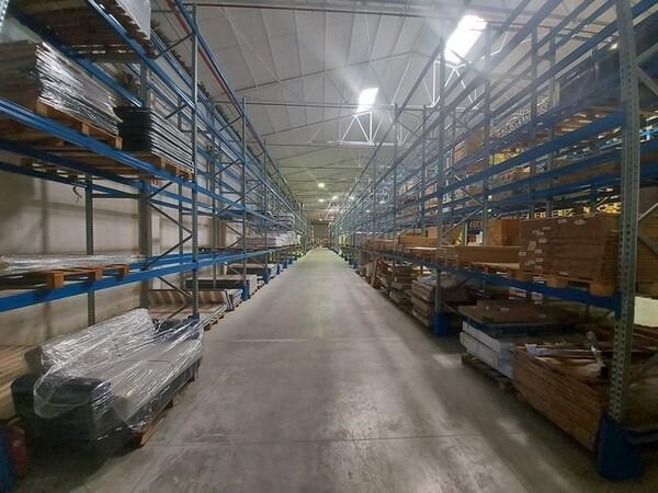 Logistica in vendita