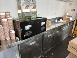 Furniture and equipment for ice cream parlors - Lot 3 (Auction 6376)