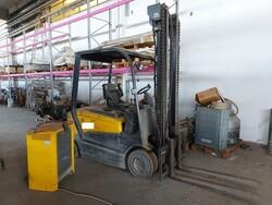OM forklift - Lot 3009 (Auction 6400)