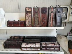 Wooden boxes and trunks - Lot 12 (Auction 6436)