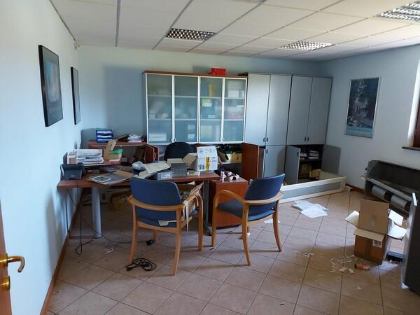 2#77624 Arredi ufficio in vendita - foto 4