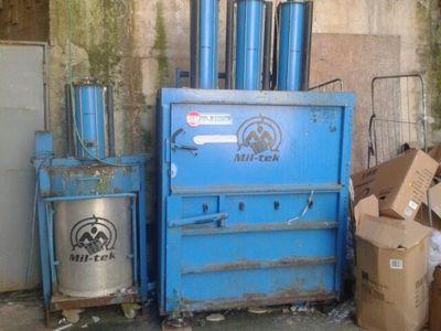 Lavadora secadora Advengers y equipo de oficina - Subasta 948