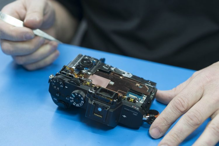 Watch a Sony A7R II being taken apart