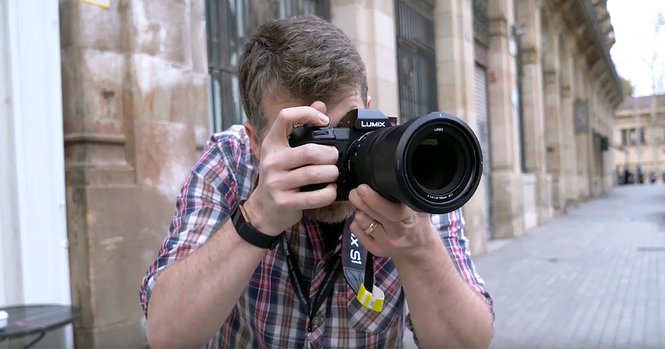 VIDEO: First look at the new Panasonic S1 and S1R full-frame mirrorless cameras – street & studio photography