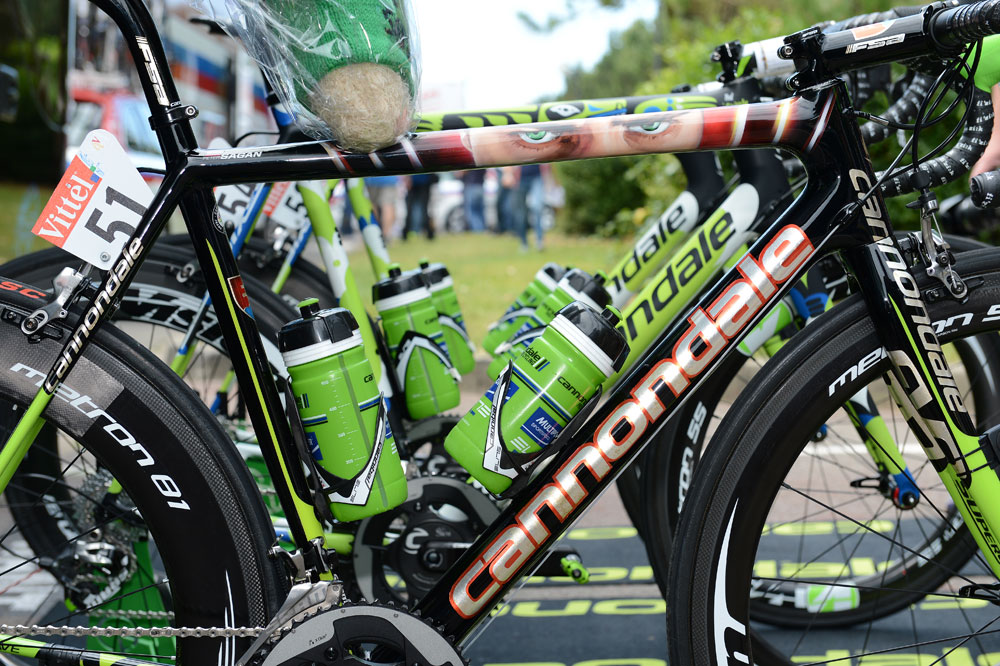 Photo: Sagan's Cannondale SuperSix Evo. SRAM Red mechs and brakes. Vision Metron carbon deep section wheels...