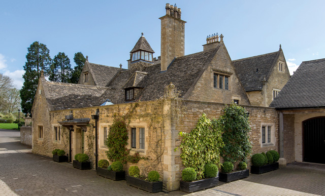 weekend homes for sale near london