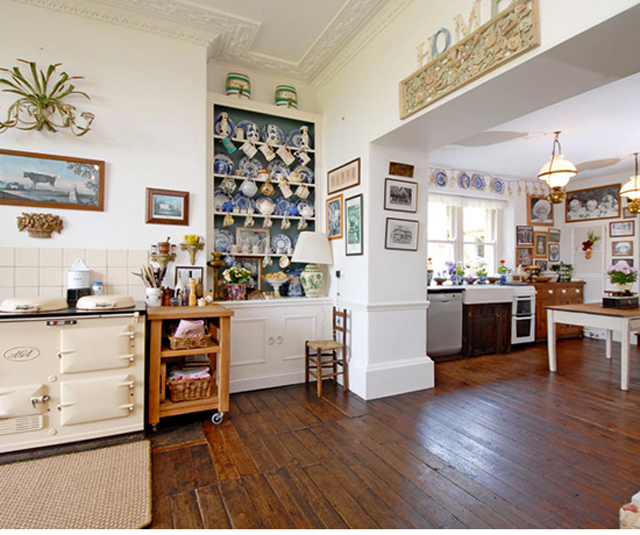 Country houses with great kitchens for sale