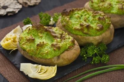 Broccoli And Cheese Potatoes