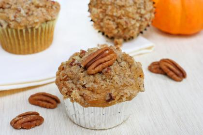 Cinnamon Sugared Pumpkin-Pecan Muffins