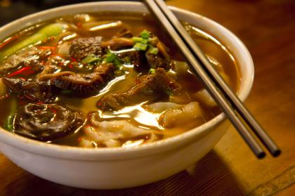 Beef And Noodles In Lemon Sauce