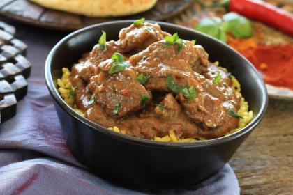 Spicy Curry Sirloin Lamb Steaks With Cucumber Raita