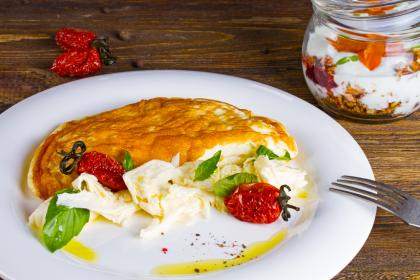 Creamy Cheese And Tomato Omelette