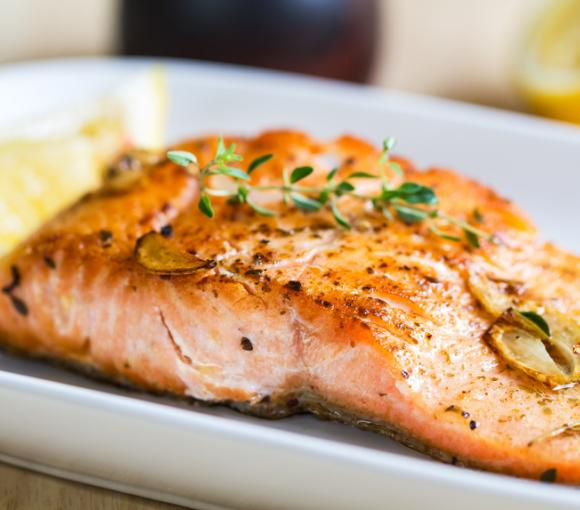 Grilled Salmon With Lemon& Thyme