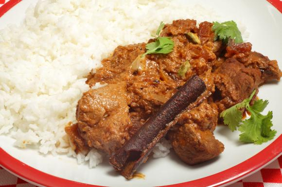 Lamb Curry With Yoghurt