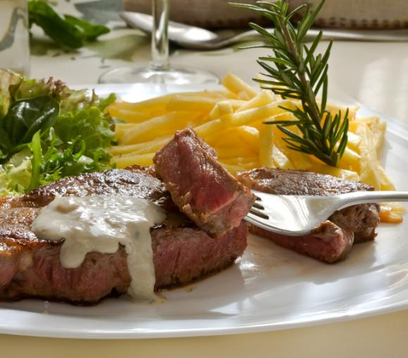 Steak With Blue Cheese Dressing