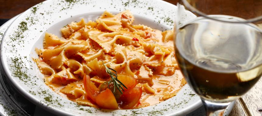 Bow Ties With Sausage Tomatoes And Cream recipe