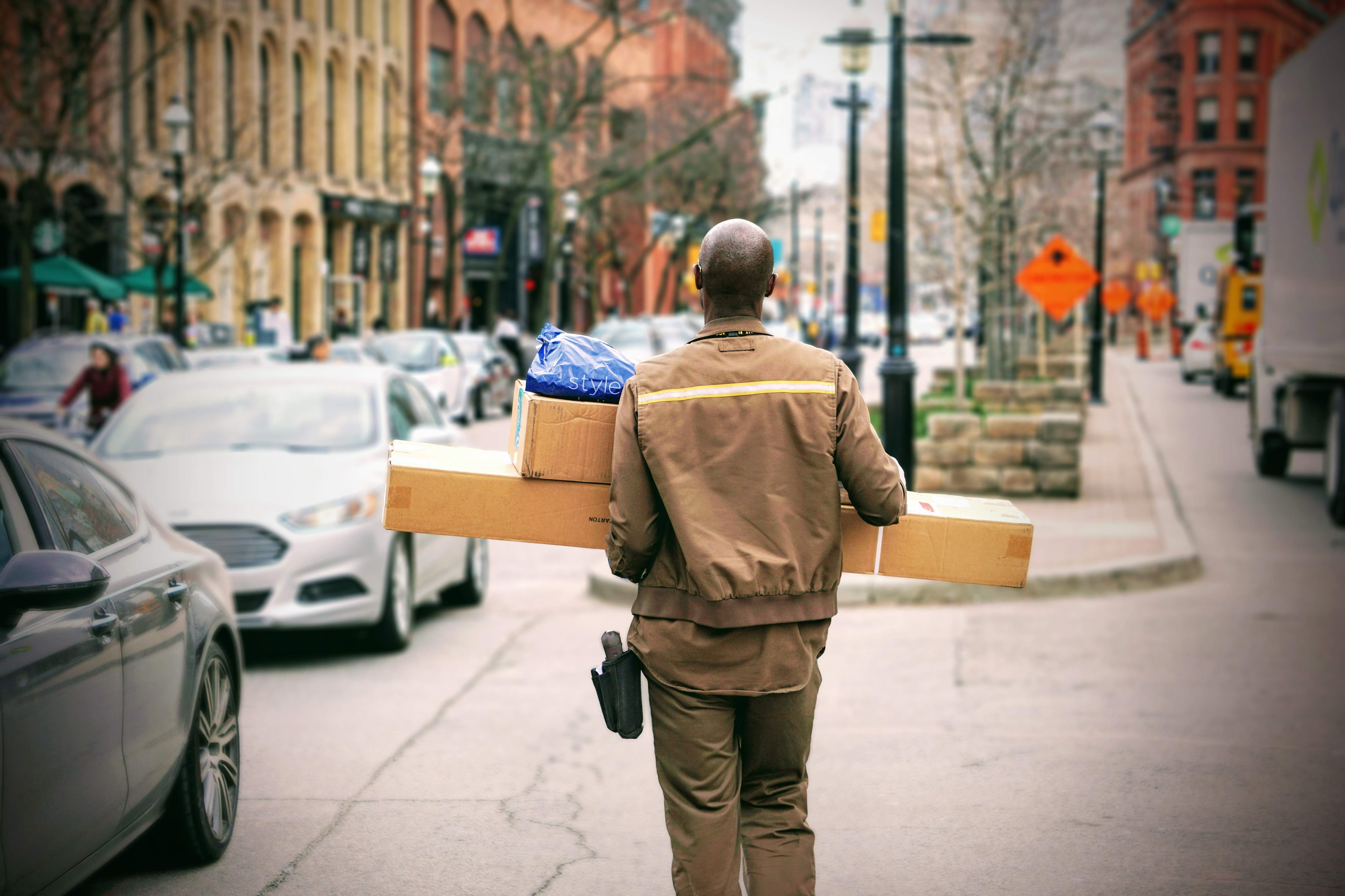 What is a courier? - Book Courier Services - Parcel Monkey