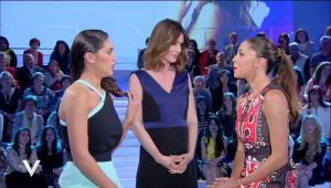 Belen Rodriguez ricoperta d'oro, svelato quanto guadagna per le sue ospitate in tv