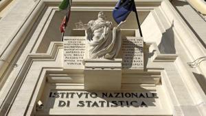 b28dd93be2 Italia fuori dalla recessione: il Pil cresce dello 0,2% (+0. Il dato arriva  dopo la conferma da parte di Standard and Poor's del rating ...