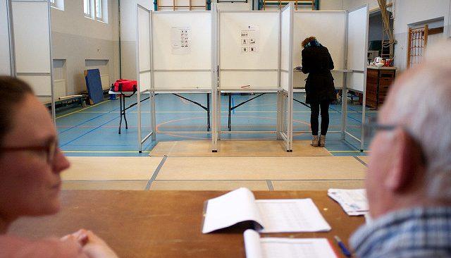 Stembus-provinciale-verkiezingen-Sebastiaan-ter-Burg1