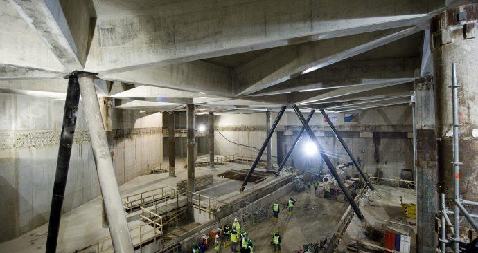Nieuwe metrohal geopend op Amsterdam CS