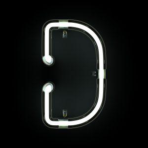 D-valokirjain mustalla taustalla