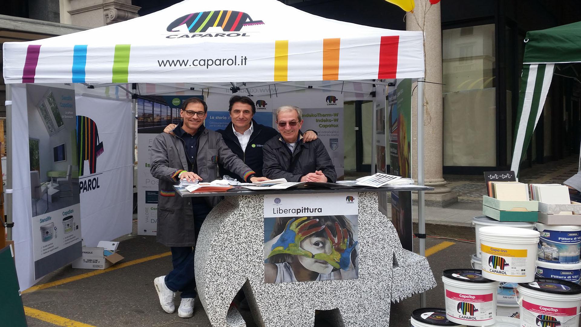 L'elefante a colori in piazza: Caparol ad Agrivarese