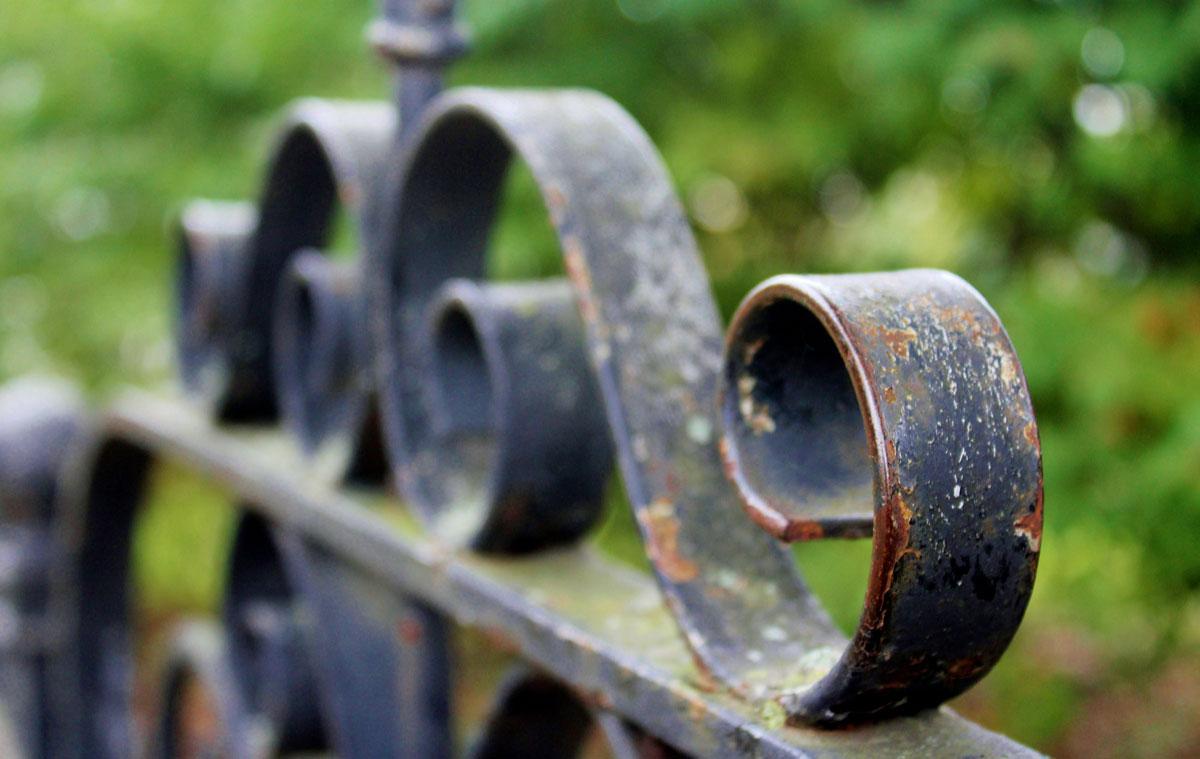 Capalac Schutz: lo smalto a solvente per la decorazione e protezione del ferro
