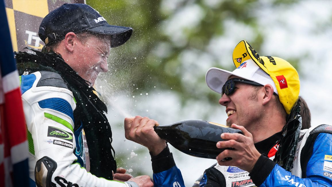 HICKMAN & HARRISON UP FOR MCN RIDER OF THE YEAR