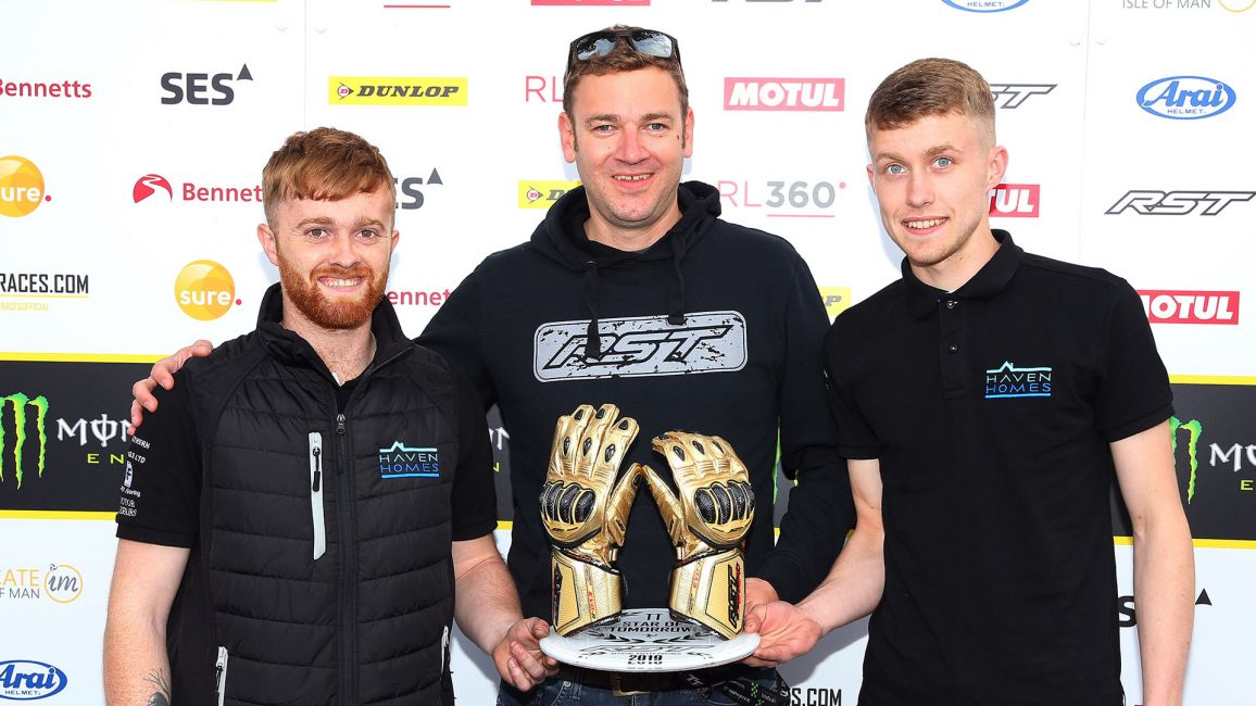 CROWE BROTHERS WIN RST STAR OF TOMORROW AWARD