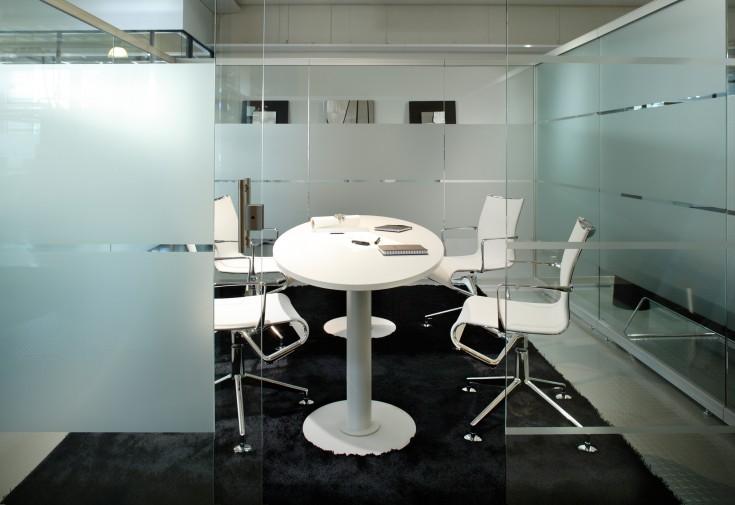 Dio pöytä