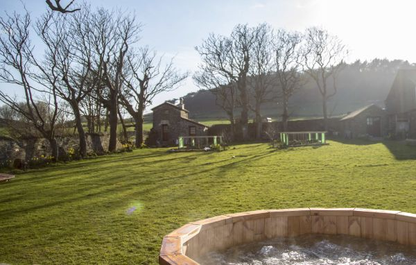 Farm Hot tub