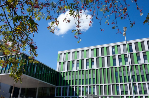 Universitätskliniken des Saarlandes - Neubau Innere Medizin 2