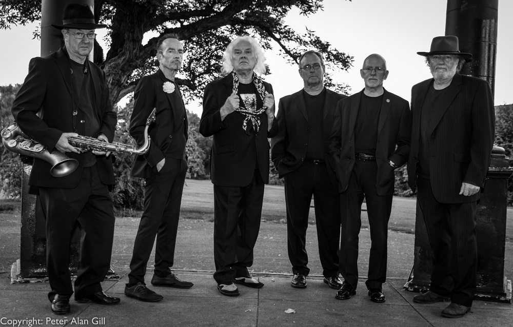 ALAN-CLAYSON-AND-THE-ARGONAUTS--2017--left-to-right--John-Harries--saxophones-and-flute---Pete-Cox--guitar---Alan-Clayson--Andy-Lavery--keyboards---Alan-Barwise--drums-and-Paul-Critchfield--bass-
