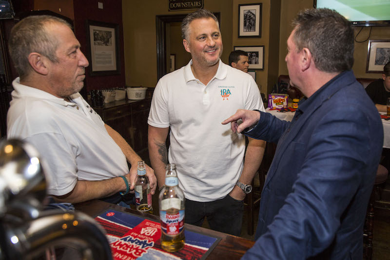 Cricket-legend--Darren-Gough-proves-to-be-the-supporters-supporter-at-a-London-pub--as-he-enjoys-a-pint-of-Greene-King-IPA-with-fans-and-watches-and-commentates-today-s-Ashes-game--1---1-