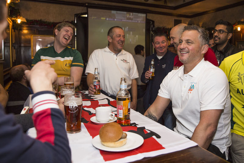 Cricket-legend--Darren-Gough-proves-to-be-the-supporters-supporter-at-a-London-pub--as-he-enjoys-a-pint-of-Greene-King-IPA-with-fans-and-watches-and-commentates-today-s-Ashes-game--6-