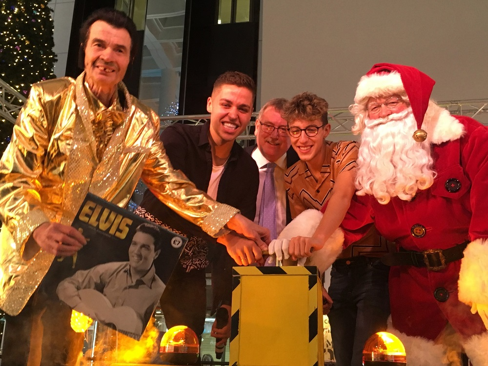 David-Allon--AKA-Reading-Elvis--with-Jack-and-Joel-from-The-X-Factor--Broad-Street-Mall-manager-Graham-Mountford-and-Father-Christmas