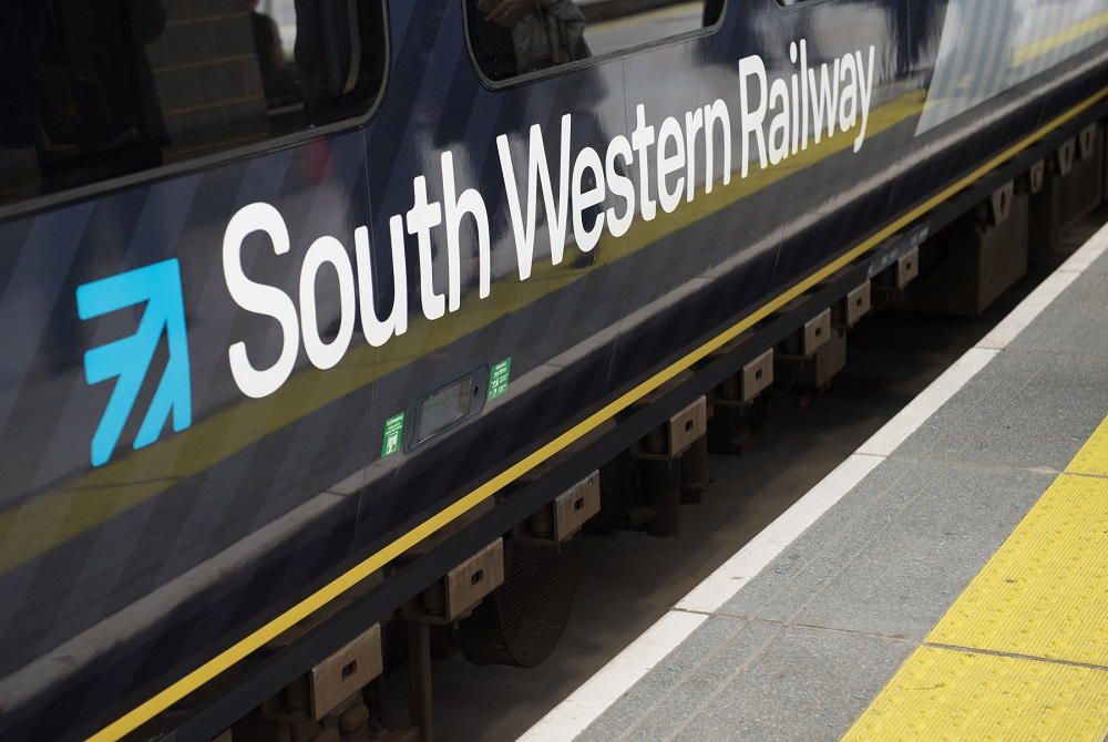 Passengers warned of four days of South Western Railway strikes