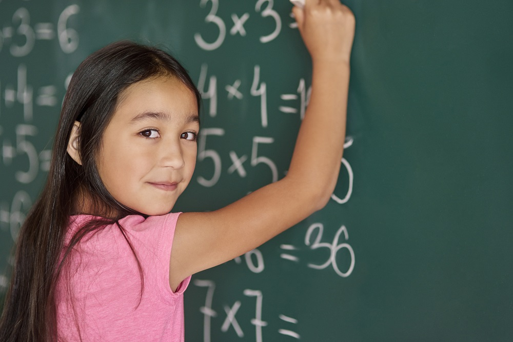young-girl-doing-maths-_130318